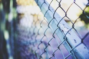 berna_kaboompics.com_Metal_mesh